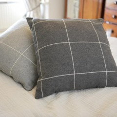 Large scatter/bed cushions